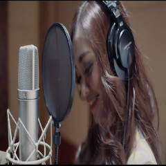 Nadya Rafika feat Eka Gustiwana Jantung Berdebar